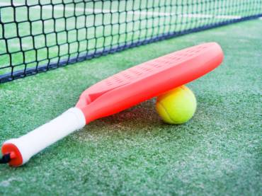 paddle-tennis-racket-and-ball (1) (1)